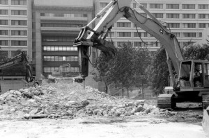 The Ross ramp was demolished in 1989 to give way to Vari Hall. Photo courtesy of York University Libraries, Clara Thomas Archives and Special Collection (F0091), ASC00277.